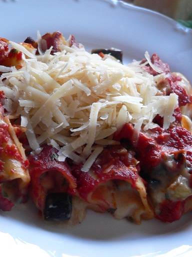 Eggplant, Parmesan and Mushroom Cannelloni in Tomato sauce ...